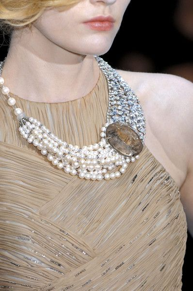 Armani Privé at Couture Fall 2008 (Details) f85c9567878