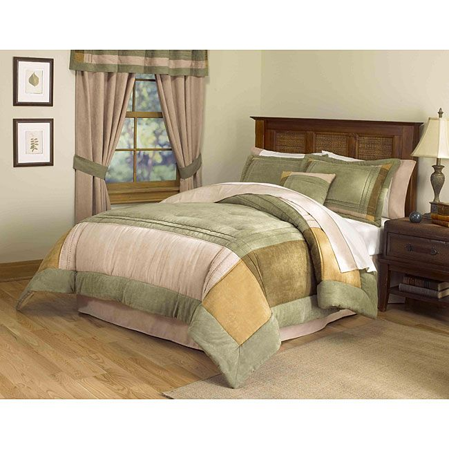 Bring a touch of old-fashioned charm to your bedroom with this handcrafted eight-piece comforter set. The homely comfort of this complete set is offset by contemporary color choices, making it perfect for both modern and traditional decors.