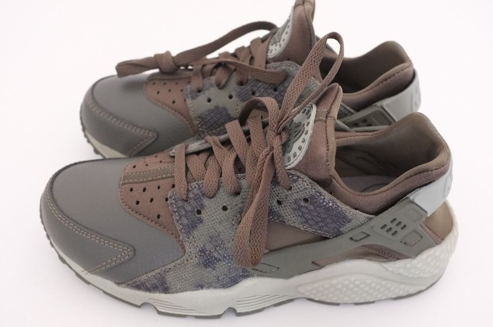 d76bb64e2009 Nike Womens Air Huarache Run Premium Running Shoes Python Sz 6 (683818-302)   fashion  clothing  shoes  accessories  womensshoes  athleticshoes (ebay  link)