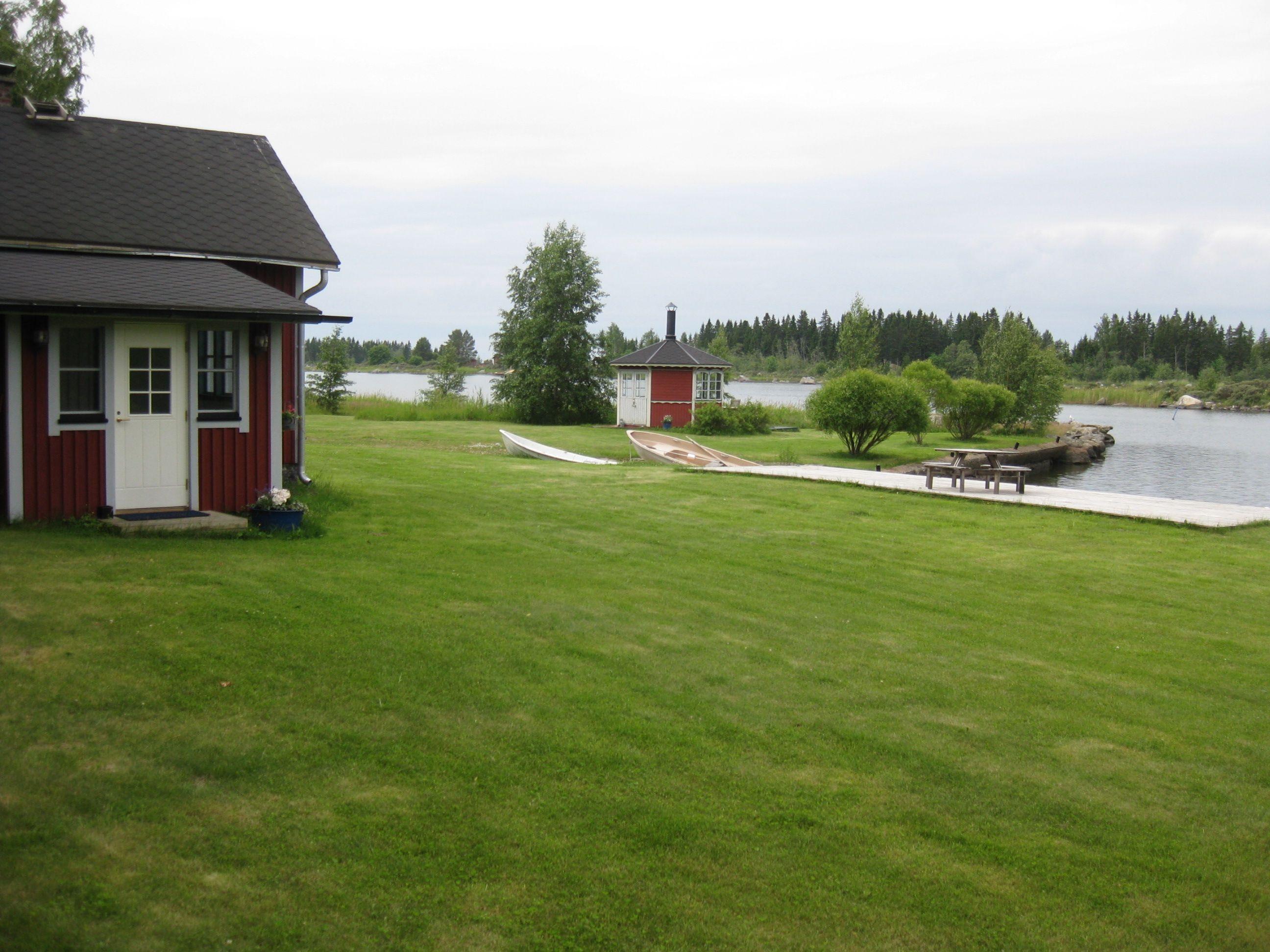 Merenranta ja laituri Bulleråsissa, tässä saisi kaunita kuvia myös.
