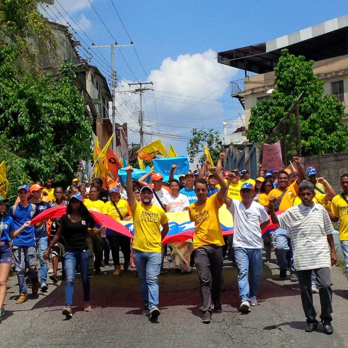 @FEdumedia : Comunidad de Marizapa en #Miranda estrenó siete instituciones educativas https://t.co/QZ7a6qVUmw https://t.co/nONmv3F7ya