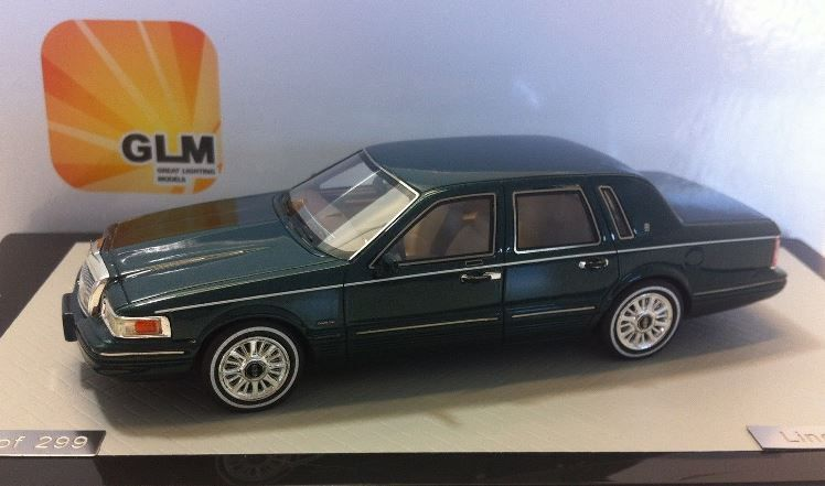 1997 Lincoln Town Car In Green Model Car By Glm In 1 43 Scale Toys