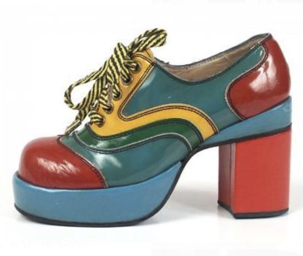 Pin op Schoenen / shoes