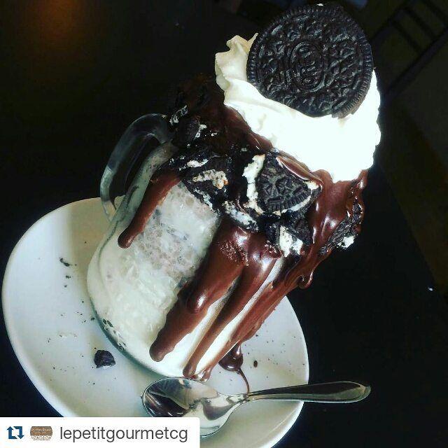 Delícia do dia!  #Repost @lepetitgourmetcg with @repostapp  Milkshake de Oreo!! Os Originais #freakshakes você encontra aqui no @lepetitgourmetcg venha conferir o nosso cardápio  #lepetitgourmetcg #osoriginais #campogrande #cidademorena #matogrossodosul #milkshake #fingerfood #ateliegastronomico by ilovefoodcg