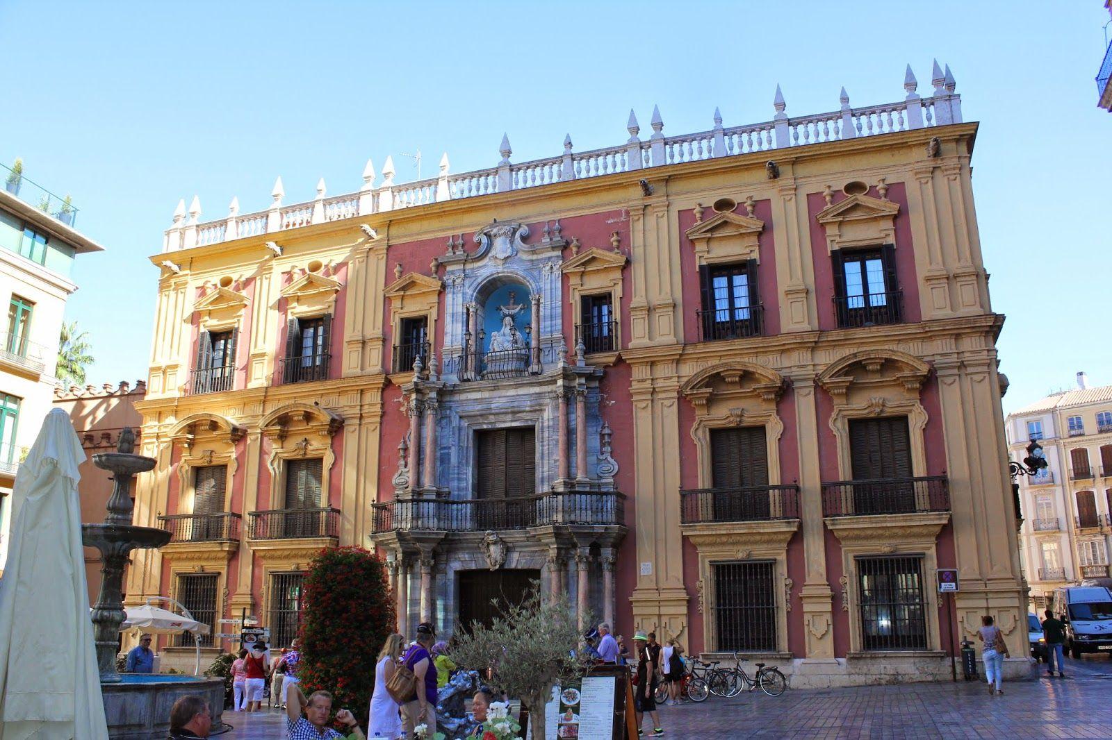 Maravillas Ocultas De Espana Malaga Al Paso La Catedral Y La Alcazaba Malaga Ciudad De Malaga Arquitectura De Espana