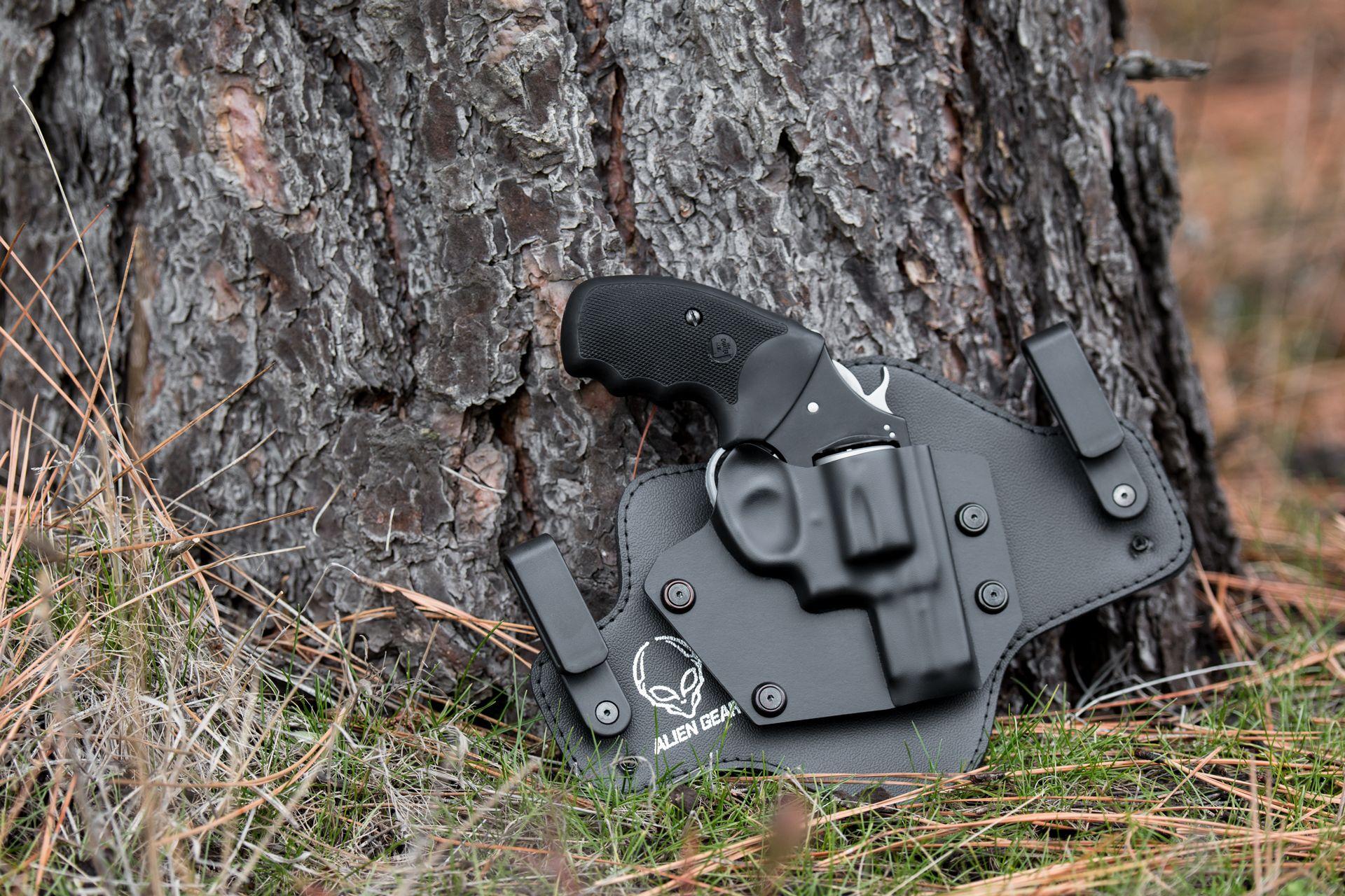 Charter Arms U C  Lite  38 with a Cloak Tuck 2 0 Alien Gear Holster