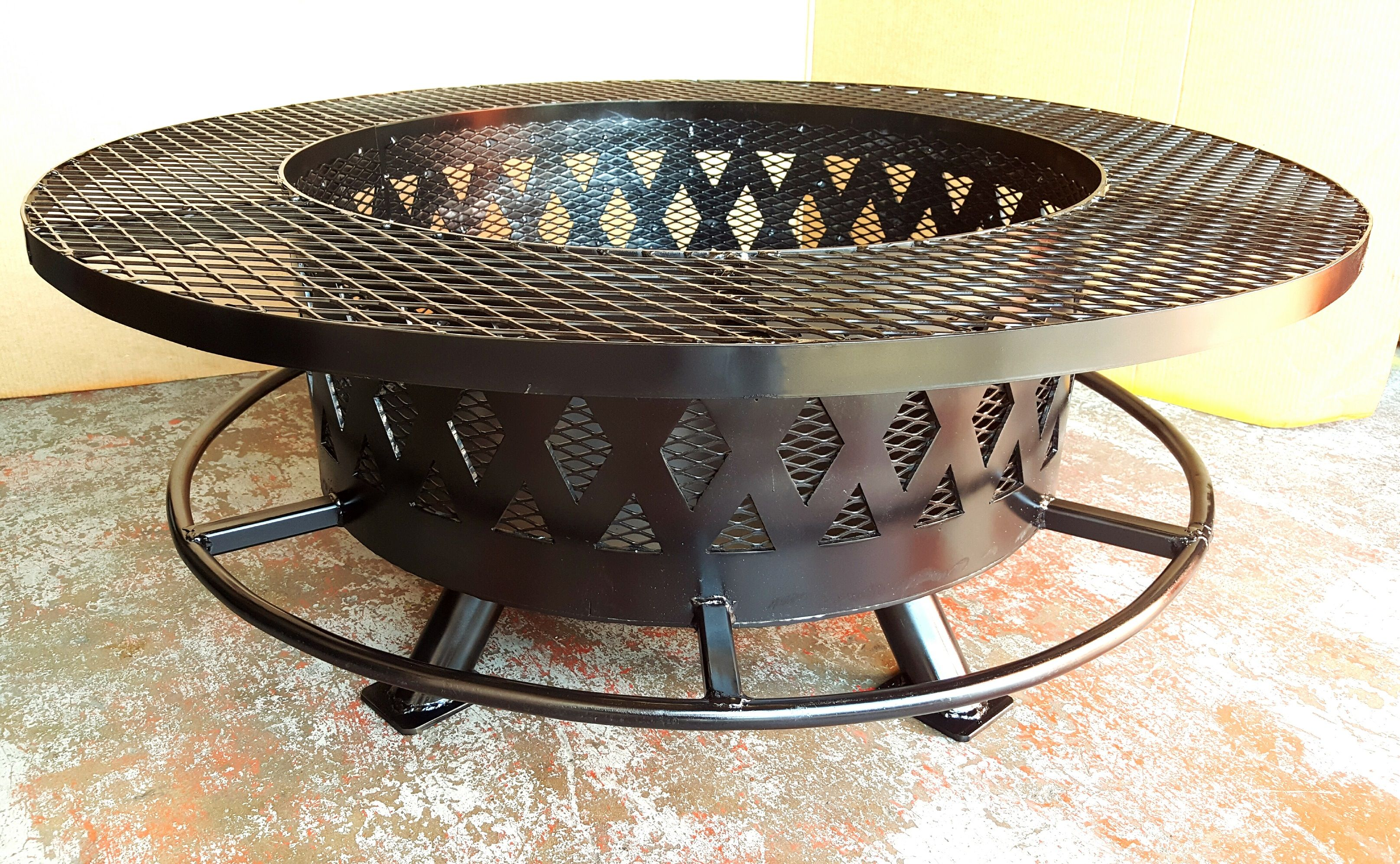 A Custom 30 Inch Steel Fire Pit I Made With Basket Weave Design Boot Rest And Side Table Fire Pit Round Fire Pit