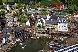 Bekonscot Model Village and Railway - Google'da Ara