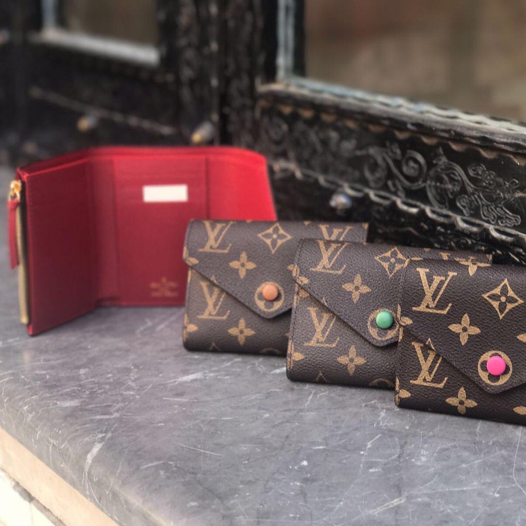 Louis  Vuitton Wallet For Women. LV Classic Monogram Short Wallet ... d7e9fb61f4b
