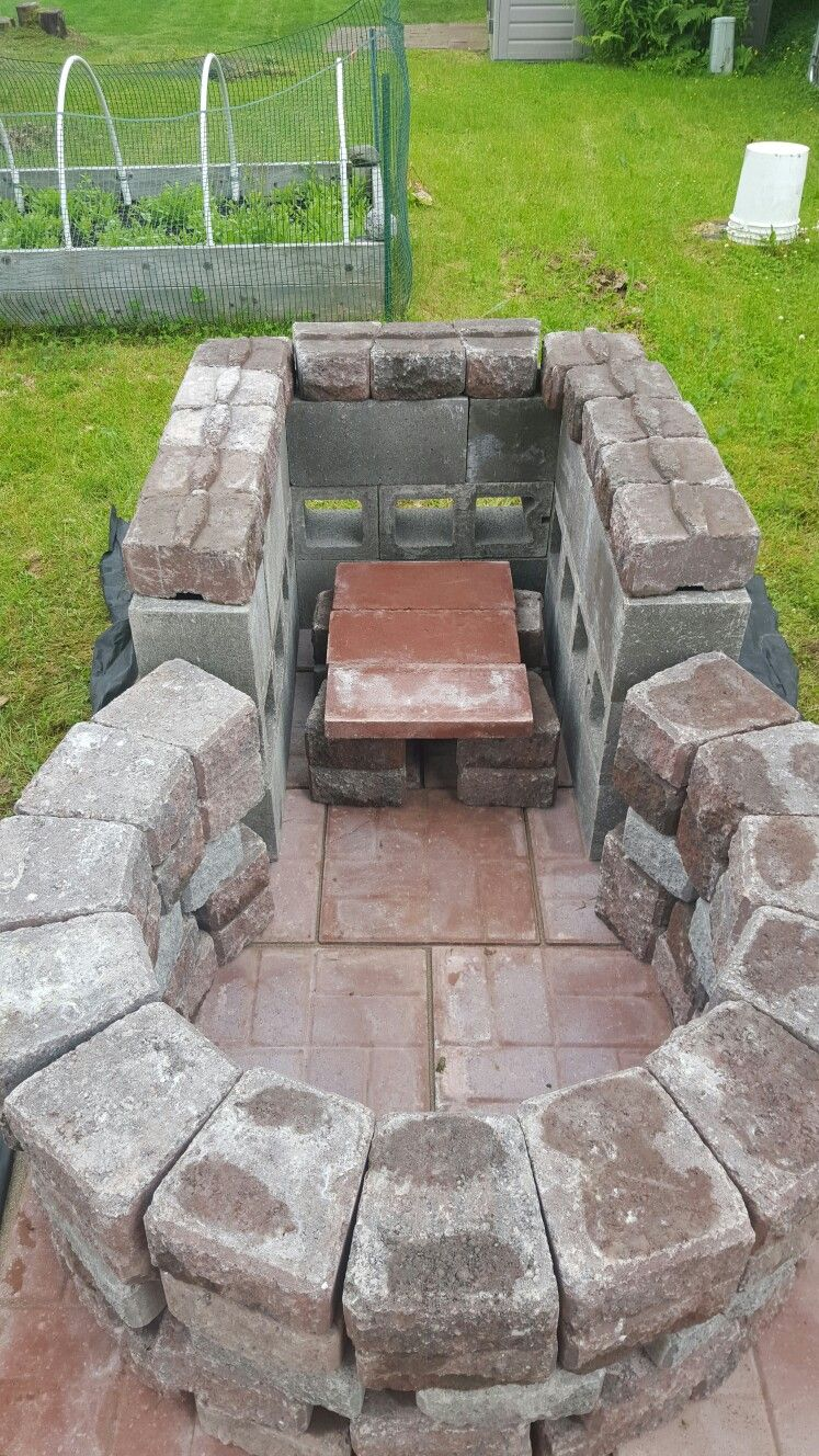 Cantlin Garten Keyhole Fire Pit With Grilling Area 4 Foot Circle Outside