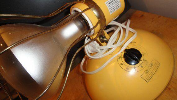 Superior Vintage 1970s Sun Lamp Sun Tanning Lamp W Bulb Yellow