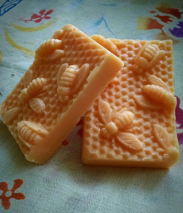 10 minute melt and pour milk and honey soap.  I used the recipe below but added 2 T raw shea butter for extra moisturizing.  Can also add a few drops of your favorite eo to this.  http://www.happinessishomemade.net/2015/03/20/10-minute-diy-milk-honey-soap/