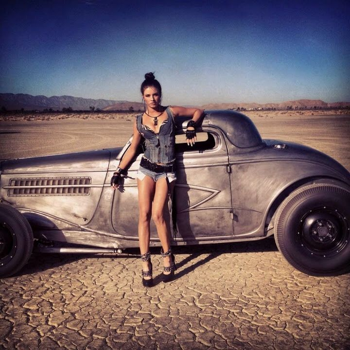 Brittany Brousseau, behind the scene of ZZ TOPs You