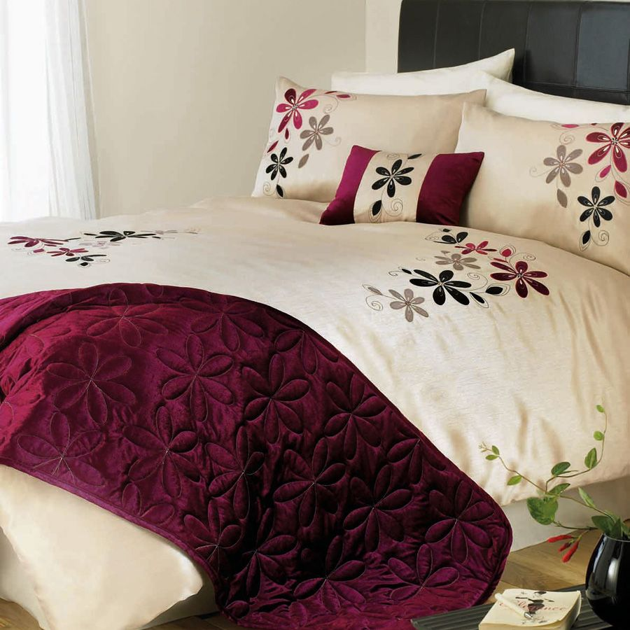 Glamourous Pink Burgundy Cream Bedding