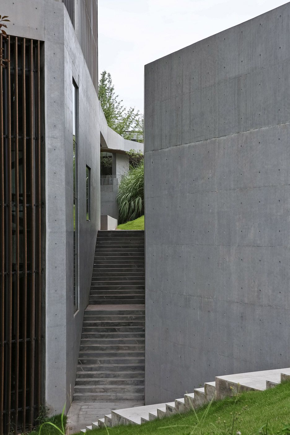Chongqing Taoyuanju Community Center By Vector Architects Architecture Brutalist Contemporary Architecture