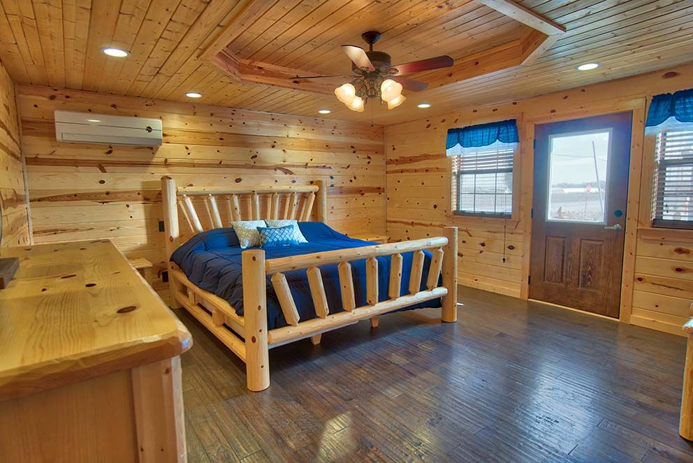 Ponderosa Pine Interior Cabin Walls With White Ceiling