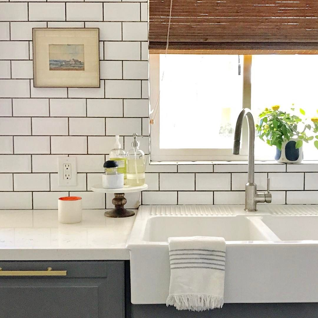 Modern White Ceramic Overmount Farmhouse Sink Farmhouse Sink Farmhouse Sink Kitchen Kitchen Sink Design