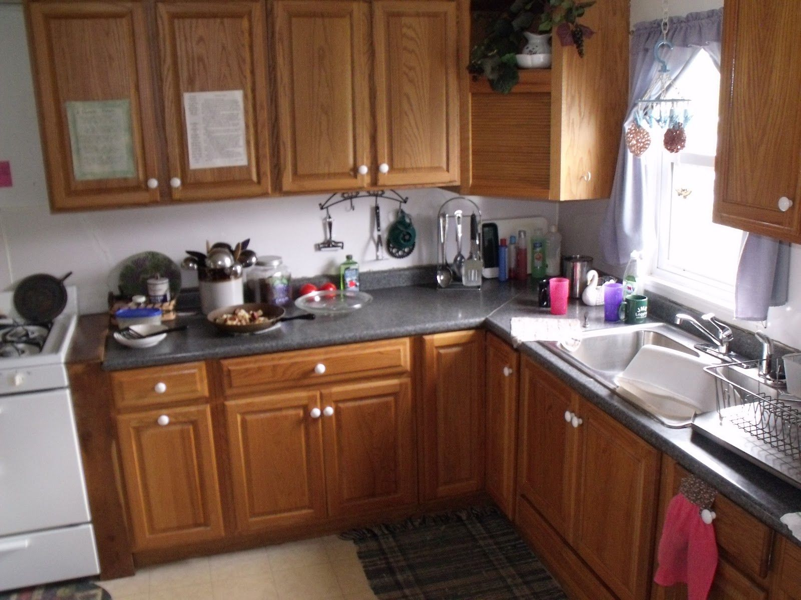 Clean And Efficent Looking Amish Kitchen Amish Home Inside Sarah S Country Kitchen Amish House Country Kitchen Home