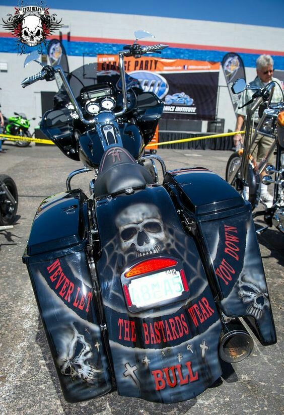 Pin By Ricky Espinoza On Harley Davidson With Images Custom Baggers Custom Motorcycle Paint Jobs Bagger