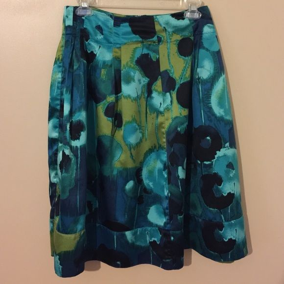 Multicolored skirt Multicolored skirt. Small pleats in front. 24 in from waist to hem. Worthington Skirts