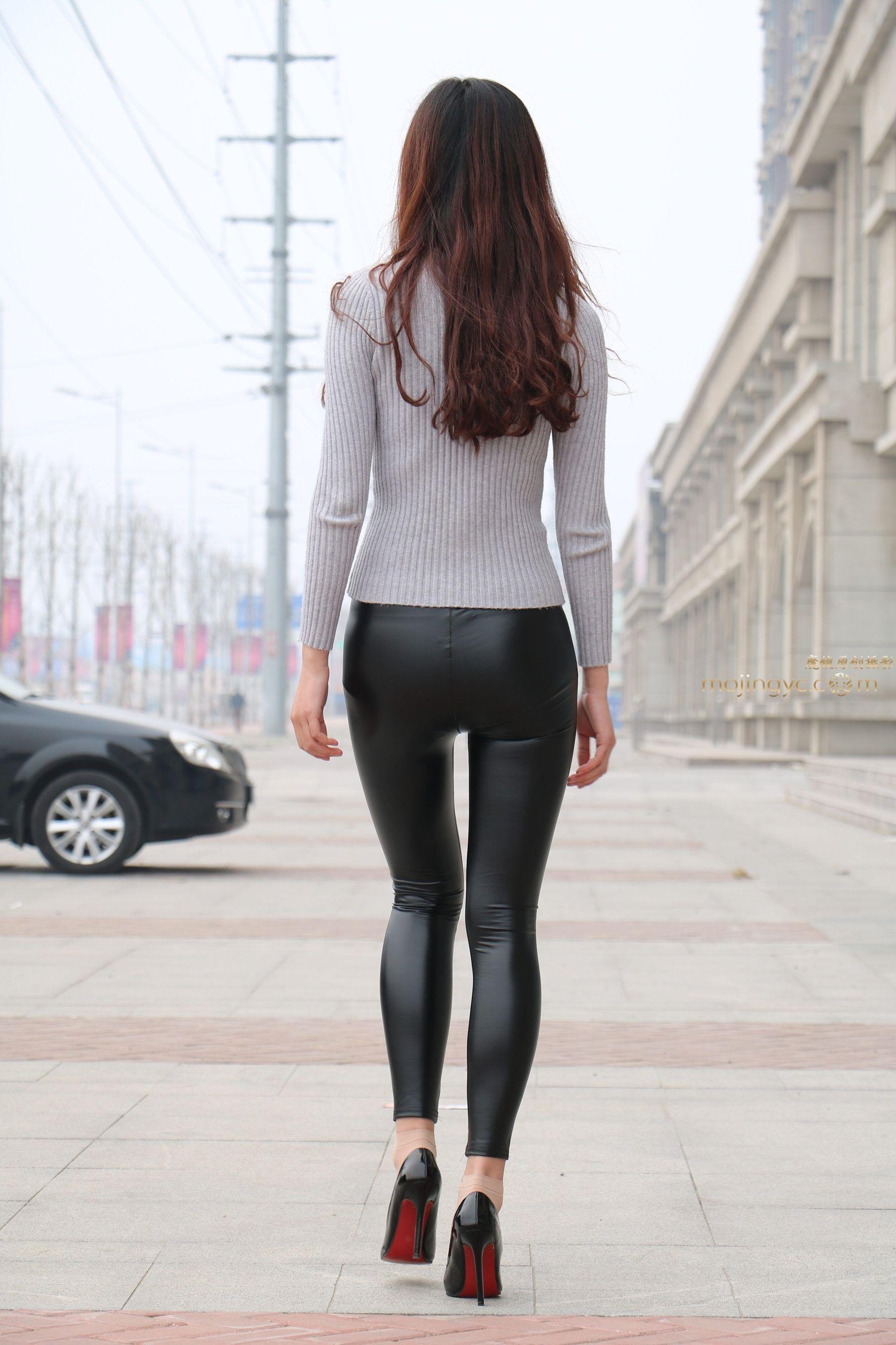 Shiny leggings candid Lena Meyer-Landrut - Stars for Free Berlin - Shiny Candid Celebs in Leggings  & Spandex