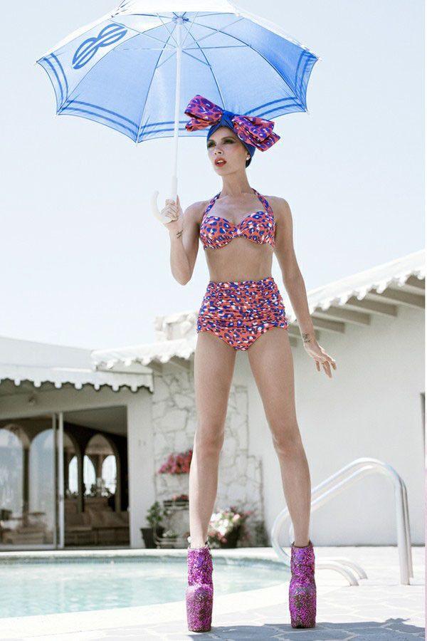 victoria Beckham bikini