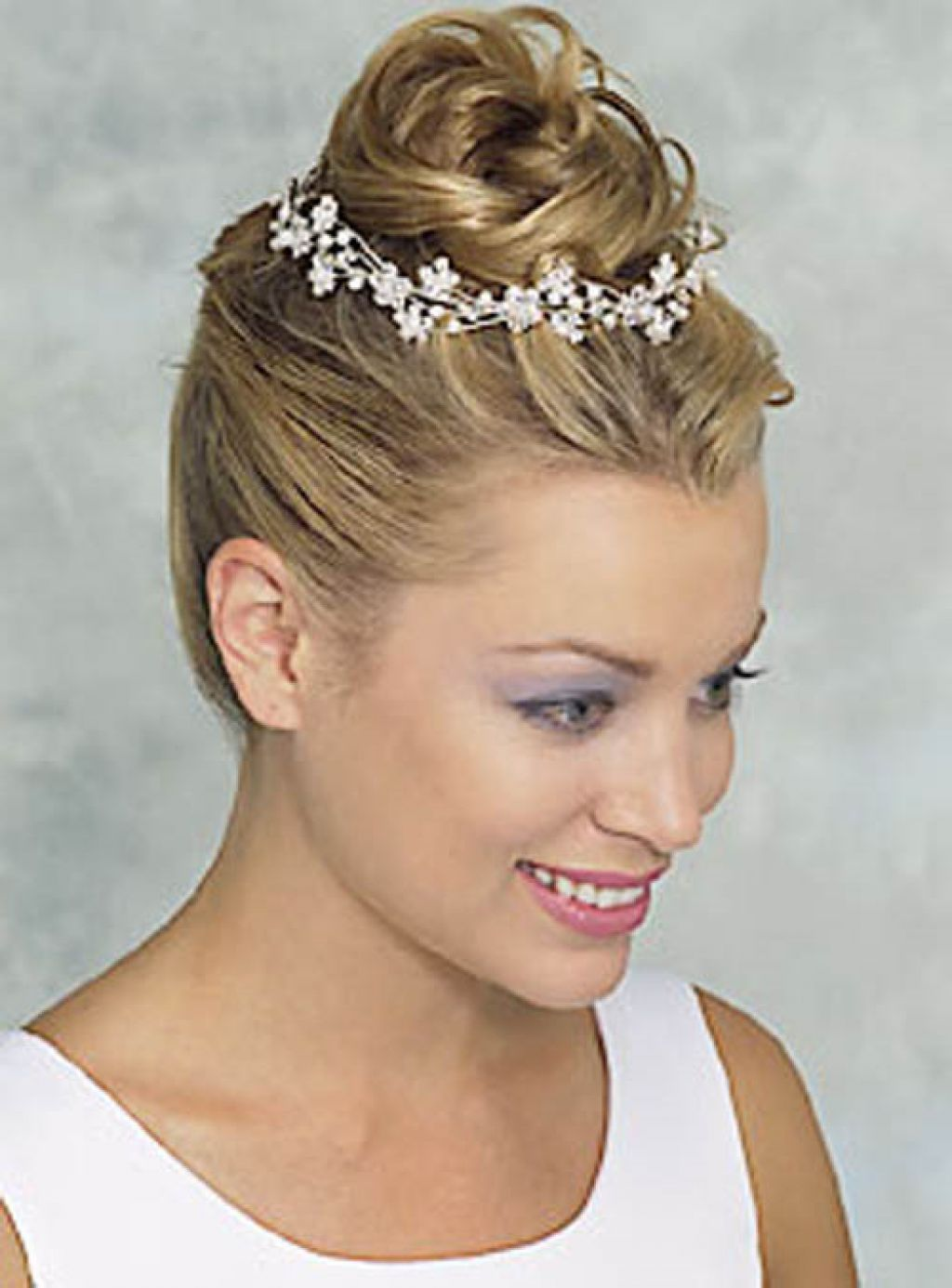 Short Hair Wedding Styles With Veil Google Search Hair And