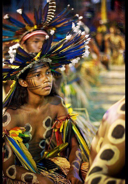 Yawalapiti youth chief Anuia leads a dance in the Xingu