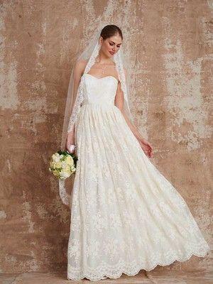 Hochzeitskleid weiter nahen