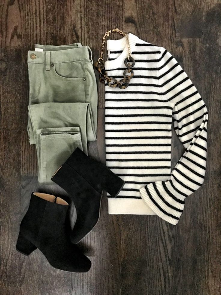 IG: @mrscasual | Stripe top & green jeans outfit