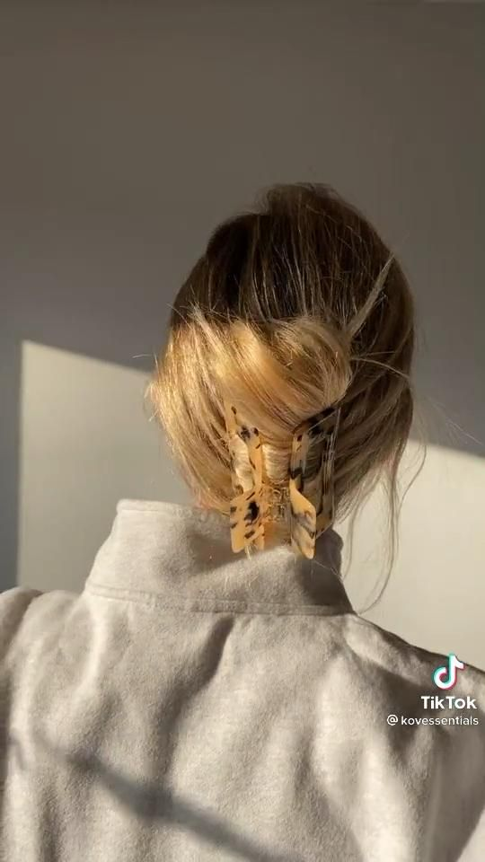 Clip Trick Video In 2021 Hair Styles Short Hair Styles Long Hair Styles