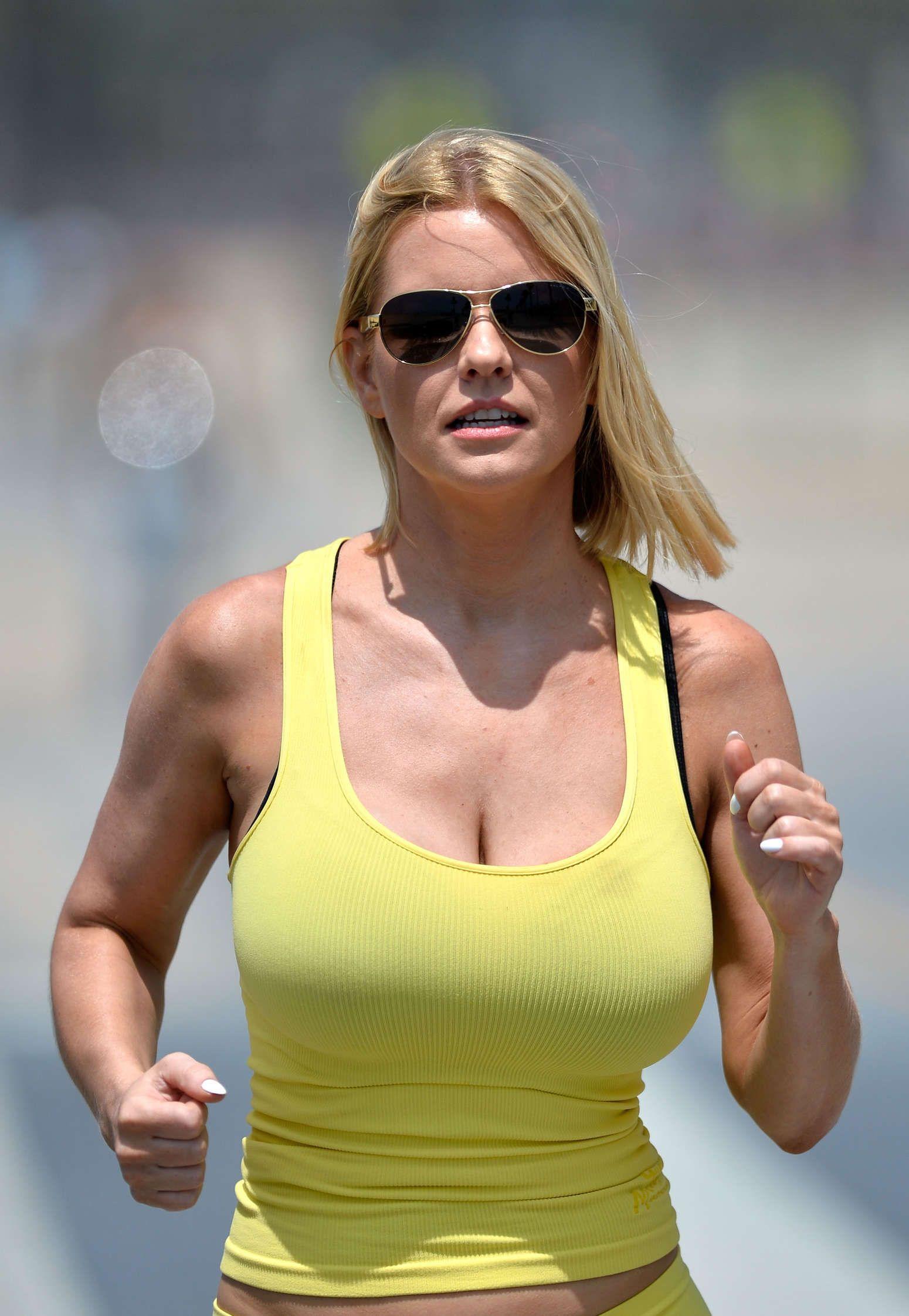 Carrie keagan hot nudes (12 photos), Sideboobs Celebrites fotos