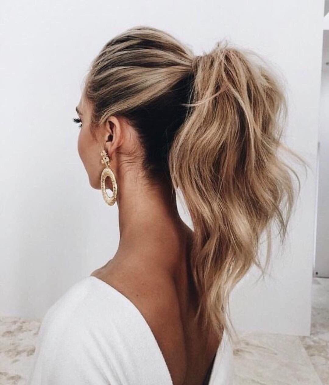 Classic Ponytail With Loose Curls Makeup Hair Styles Hair