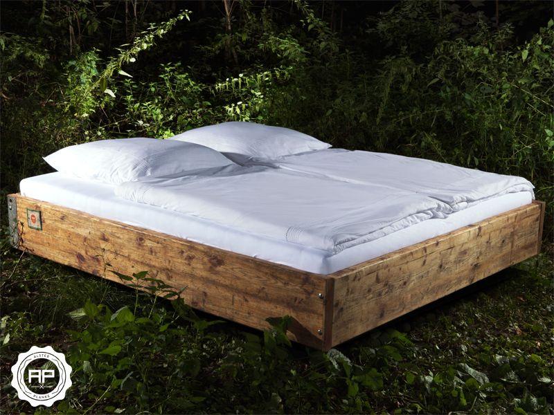 Stauraumbett 140x200 massivholz  Bett Massivholz aus historischen Gerüstbohlen