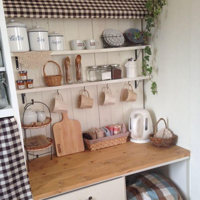 キッチン 板壁diy カフェ風 セリア 3コインズ などのインテリア