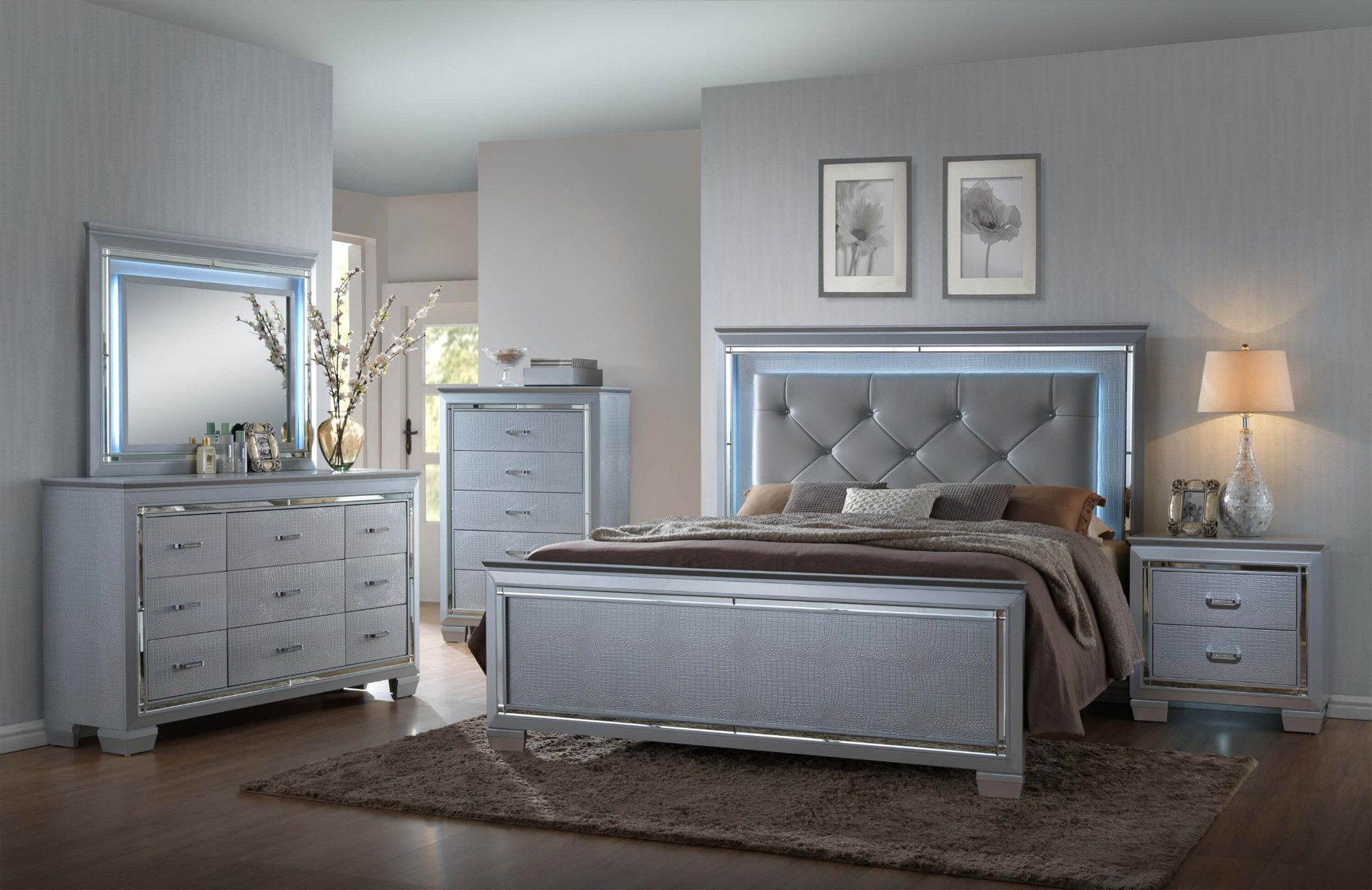 Lillian 5 Piece Bedroom Led Backlighting Accents