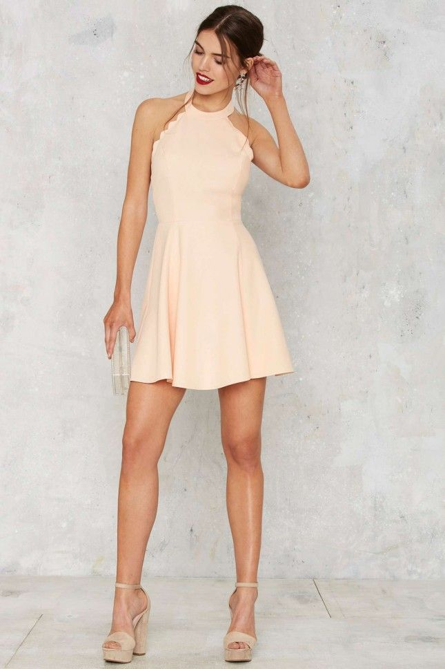 Digging this peachy dress for spring. | Stylish from Brit + Co ...