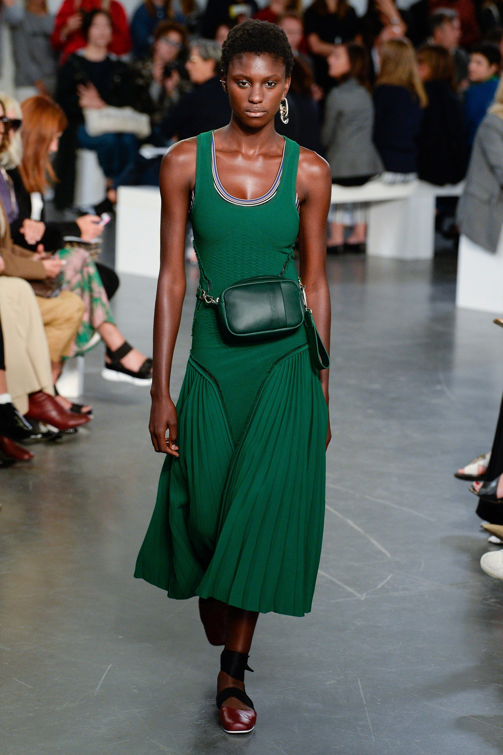 Sportmax Spring 2018 Ready-to-Wear Fashion Show | Spring, Collection ...