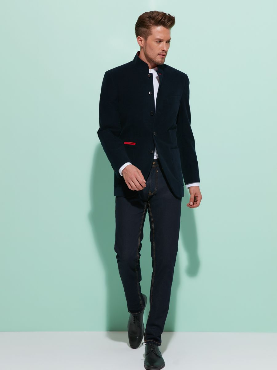 Classic tailoring meets a modern silhouette and innovative detailing ...