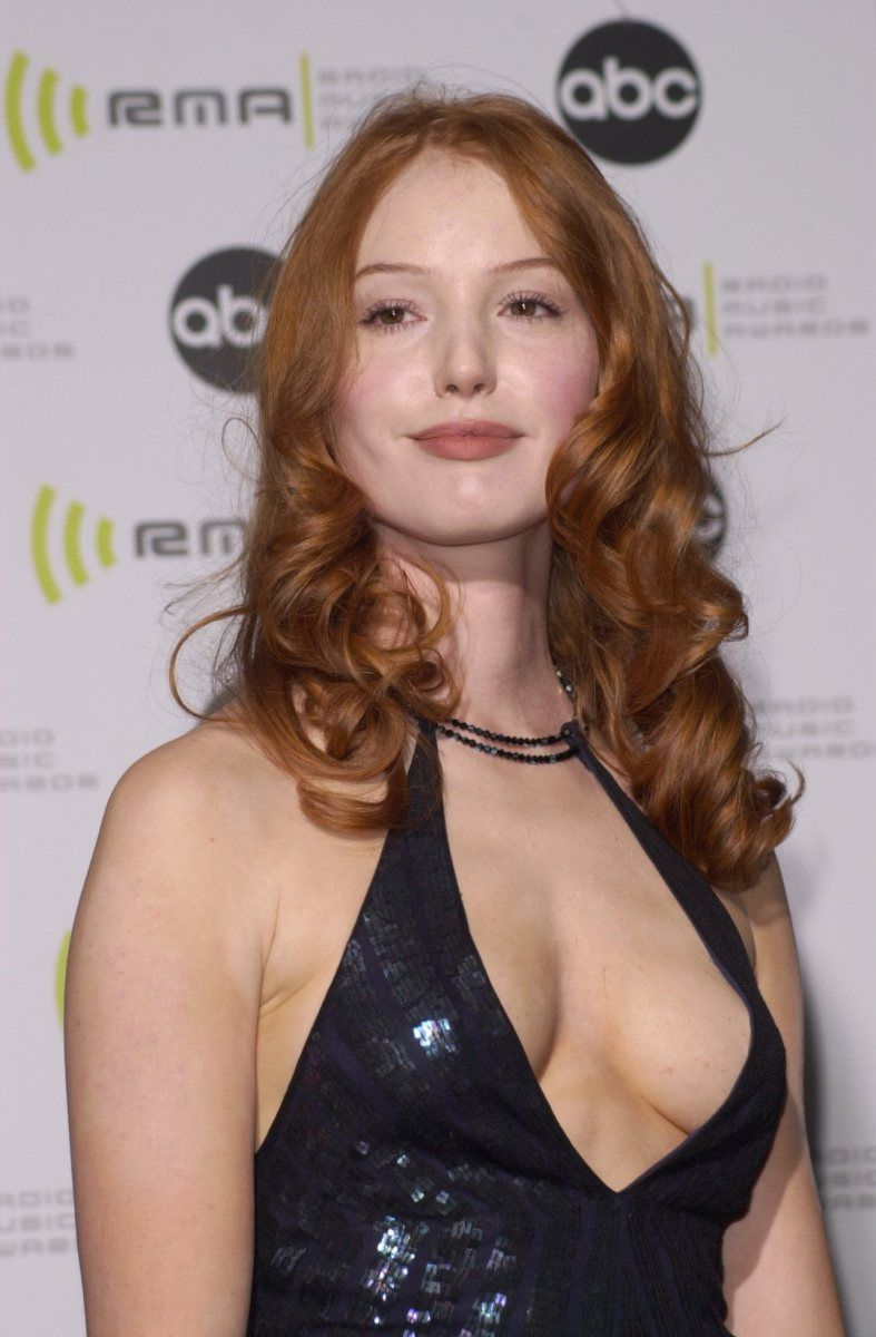 Alicia Witt Google Search Redheads And Natural Looks