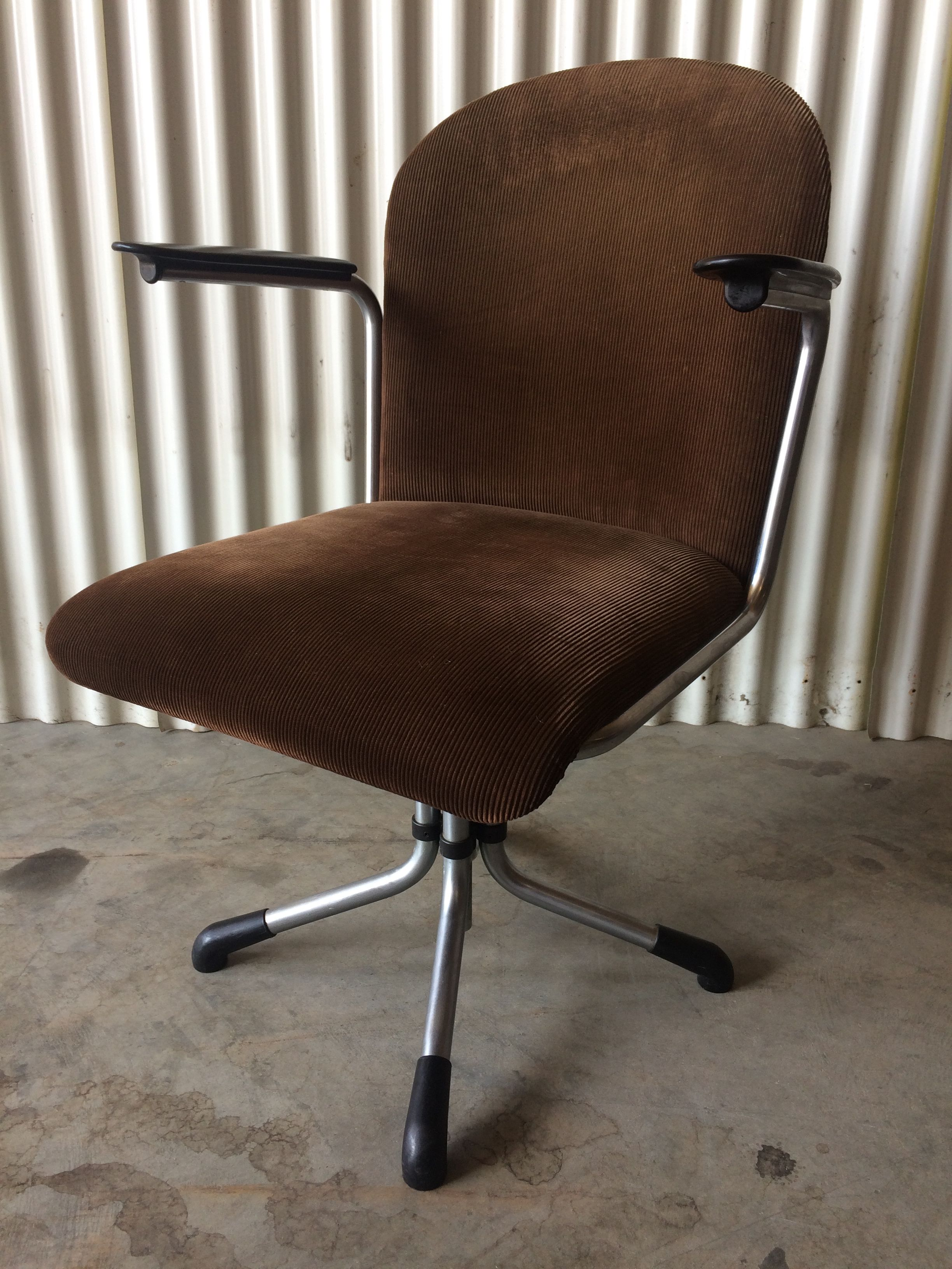 Te Koop Bureaustoel.Gispen Bureaustoel Model 356 Te Koop Bij Designmannetje Nl 375 00