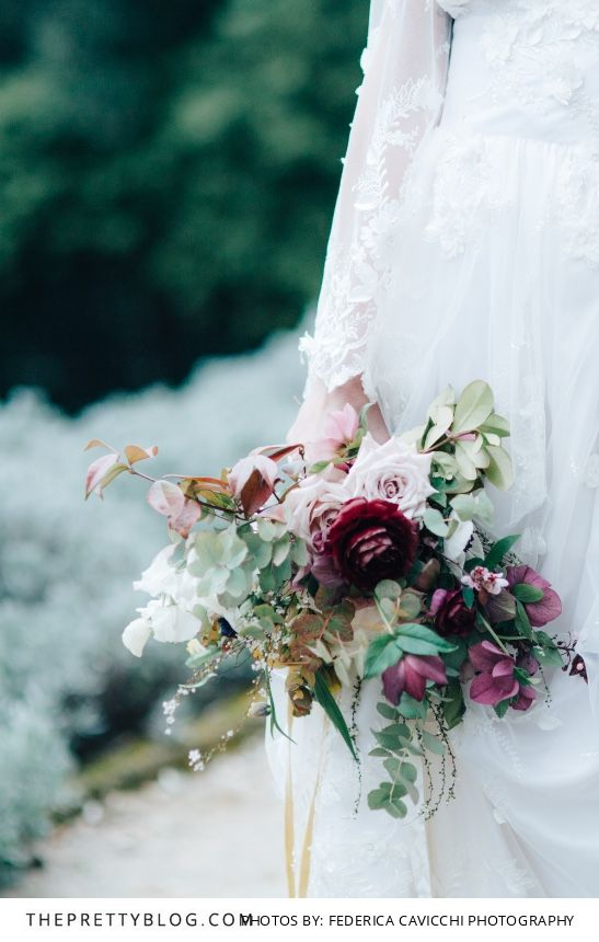 A beautiful autumn themed floral bouquet by The Blue Carrot | Styled Shoots | Photograph by Federica Cavicchi Photography