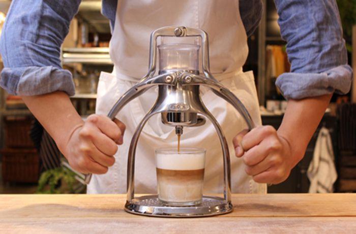 電気を使わないで本格的なエスプレッソが楽しめるんだよ エスプレッソ コーヒー 粉 コーヒースタンド