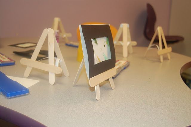 craft stick easel supplies are hard to come by these days make these cheap and easy easels for. Black Bedroom Furniture Sets. Home Design Ideas