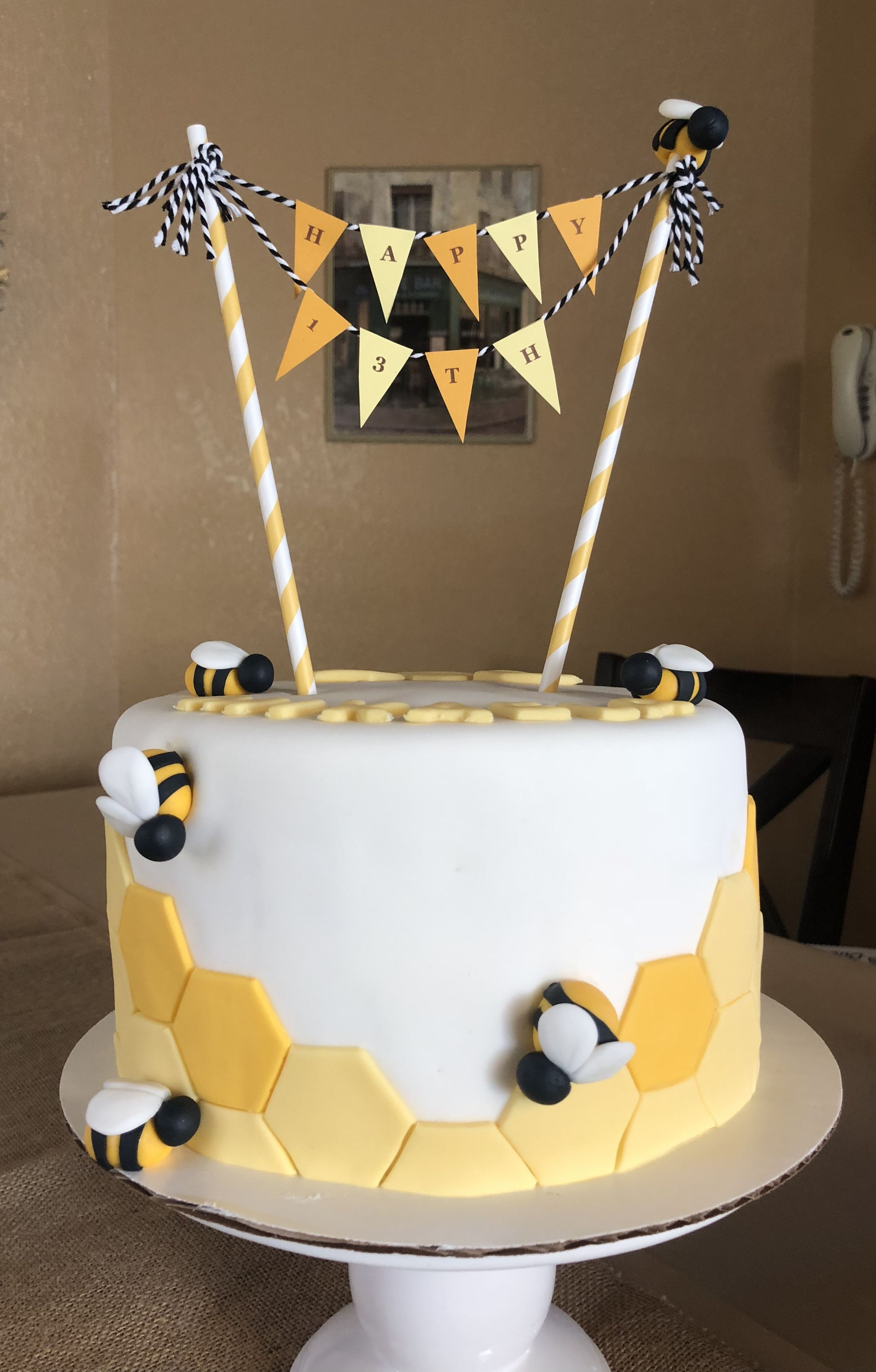 I Love Yellow And I Love Bees Cake Bee Cakes Bee Baby Shower