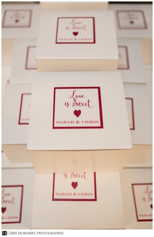 Love Is Sweet Cake Favor Boxes Weddingfavors Mayoeventanddesign