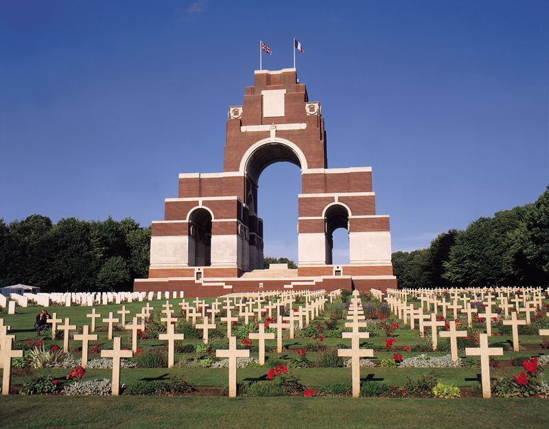 Thiepval Memorial My Great Grandfather Is Commemorated Here One Of The 73 000 Still Missing With No Known Grave War Memorial Battlefield American Civil War