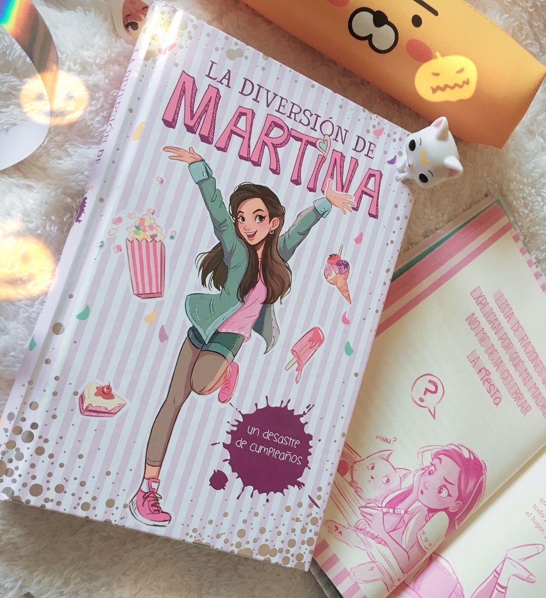 AHHH ya puedo colgar cosas de La diversión de Martina💖 he estado  trabajando en este libro con la portada y las ilustraciones de interior!