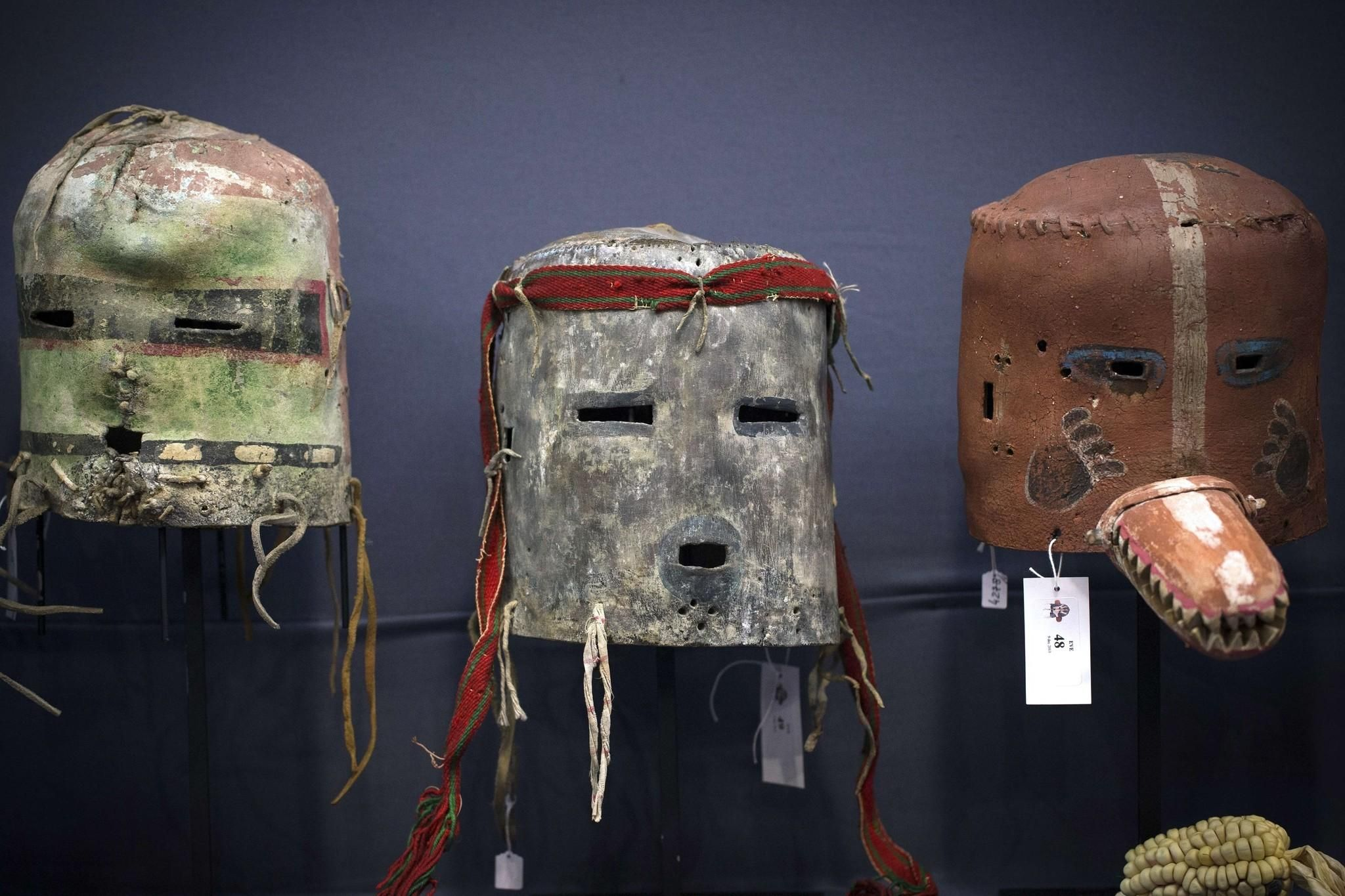 A bid to restore spiritual artifacts to Hopi and Apache tribes - Los Angeles Times