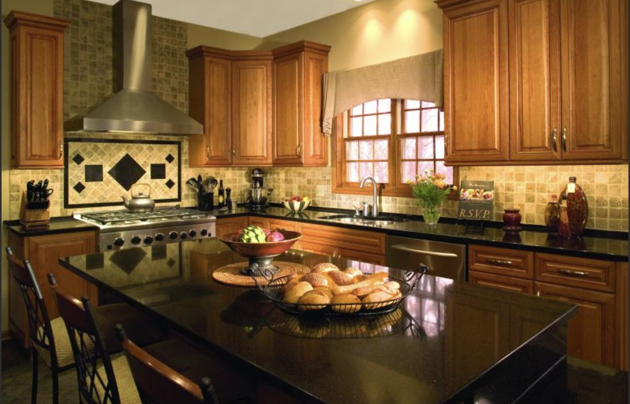 Pin by Pam Mitchell on Wyncroft | Maple cabinets, Kitchen ... on Backsplash Ideas For Black Granite Countertops And Maple Cabinets  id=16948